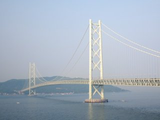 The view of the Great Akashi Strait Bridge in the morning