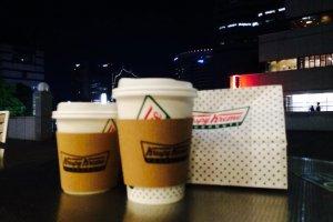 크리스피 도넛을 먹으면서 야경을 구경해보아요^^