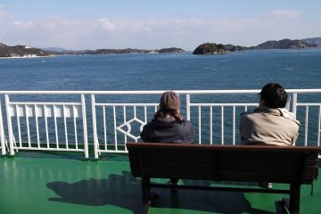<p>There are benches on deck so you can sit and enjoy the view</p>