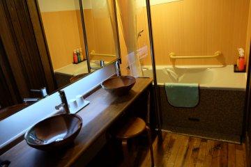 <p>ที่อาบน้ำให้ห้องพัก</p>