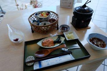 <p>เซตอาหารเช้า ทานแล้วได้พลังงานเต็มเปี่ยม ตะลุยเที่ยวได้ทั้งวัน</p>