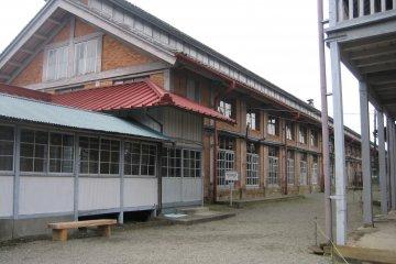 Шелкопрядильная фабрика в городе Томиока, Гумма