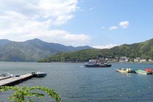 ทะเลสาปคะวะกุชิโกะ