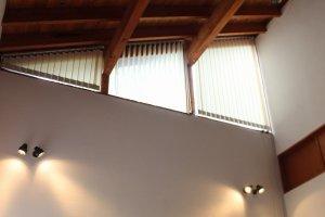 高い天井にサーキュレーターが回っている。あふれる開放感だ