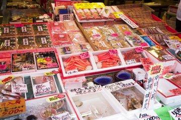 Разнообразный ассортимент морепродуктов
