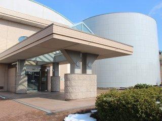 内水面総合センターのメインビルディング外観