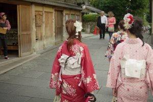 On the way to the temple, Japanese women dressed in their traditional kimono outfit.
