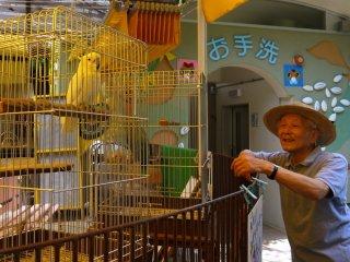 Дедуля говорил с птицами