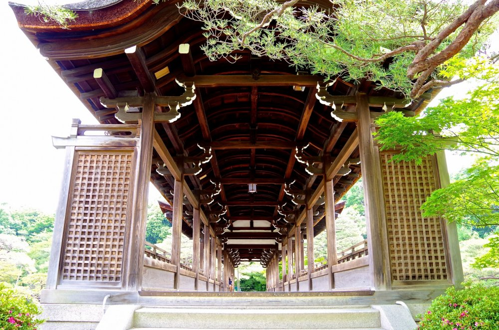 Entrance of Taihei-kaku Bridge