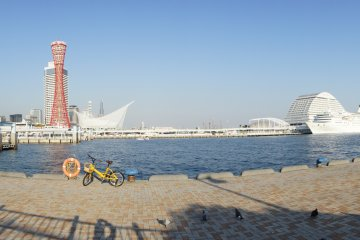 <p>A panoramic view of the waterfront with the Meriken Hotel to the extreme right.</p>