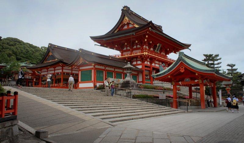 <p>The impressive main gate.</p>