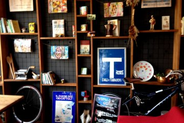 <p>A colorful assortment of Italian keepsakes from all over the country</p>
