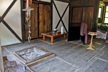 <p>Guest room at Tsurunoyu Onsen with &#39;Irori&#39; (traditional fire-pit)</p>