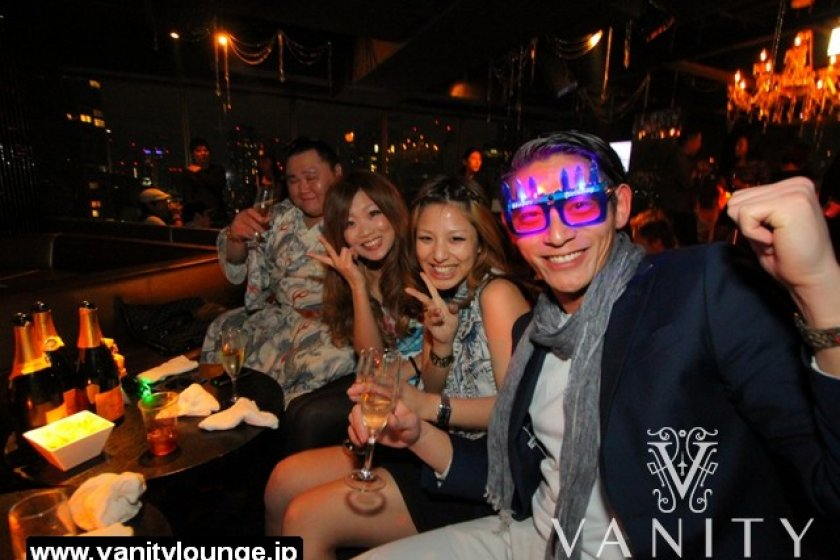 All is smiles and champagne at Vanity