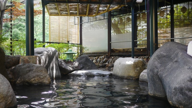 <p>Outdoor onsen with a view of the river</p>