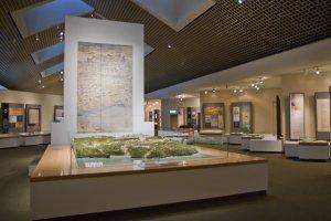 لوحات و نماذج لشكل القلعة قبل 400 عام