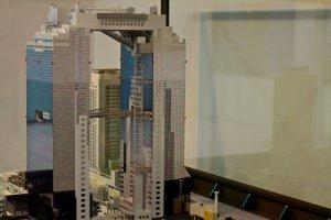 """โมเดลของ """"Umeda Sky Building"""""""