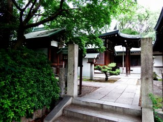 When you enter Hōkoku Shrine in Osaka Castle Park, you'll find small shrines on the grounds