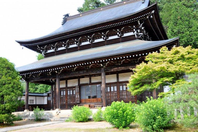 Takayama's historic 'Temple Town'
