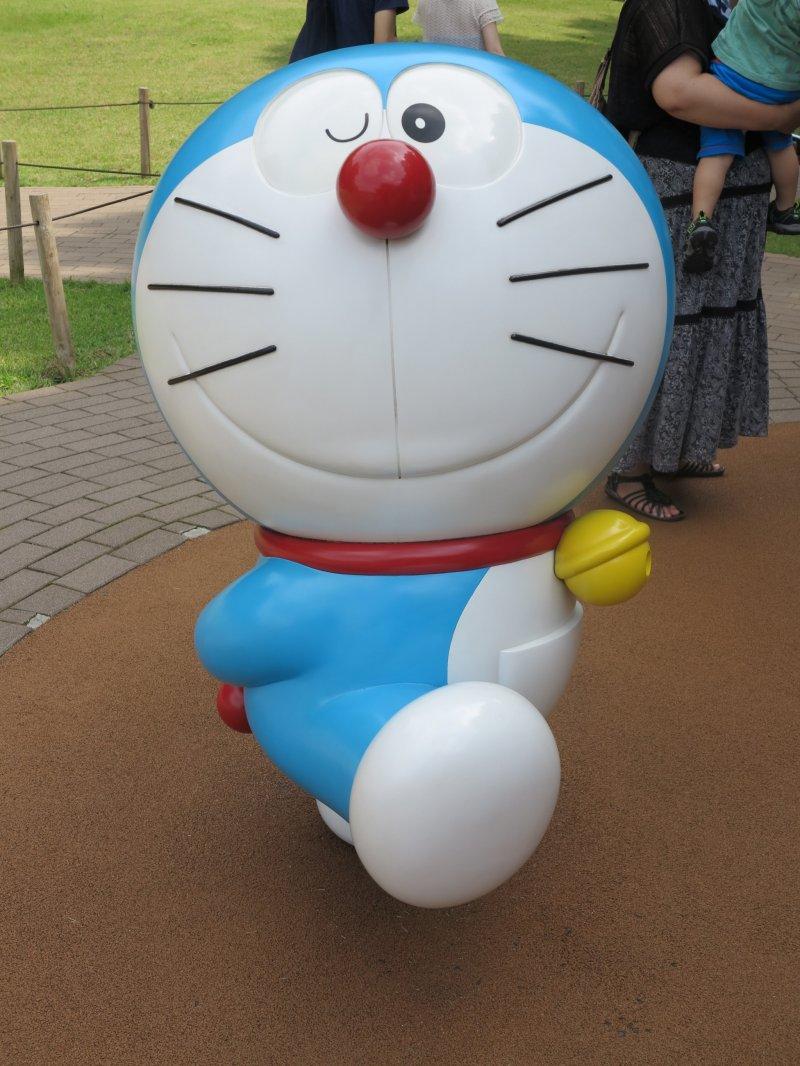 <p>3楼室外的哆啦A梦模型</p>