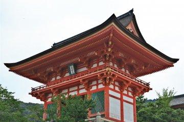 <p>清水寺侧面</p>