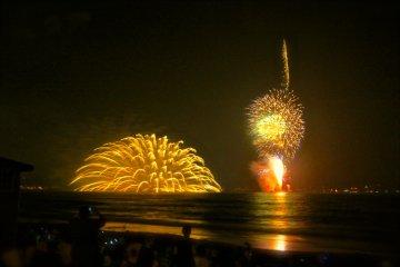 เทศกาลดอกไม้ไฟเมืองคามาคุระ