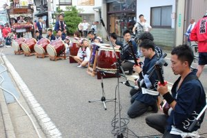 時間をかけて練習した成果で太鼓と笛三味線の演奏も聴き応えがある