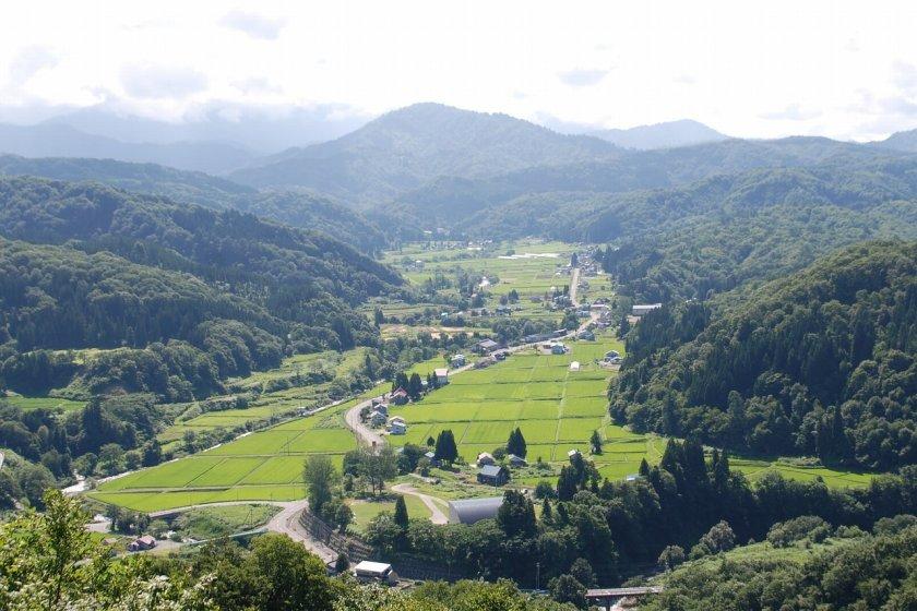 Pemandangan di distrik Nakatsugawa, Iide