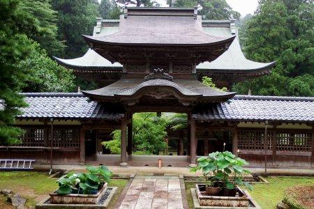 Chiếc cầu cổ của ngôi đền Eiheiji