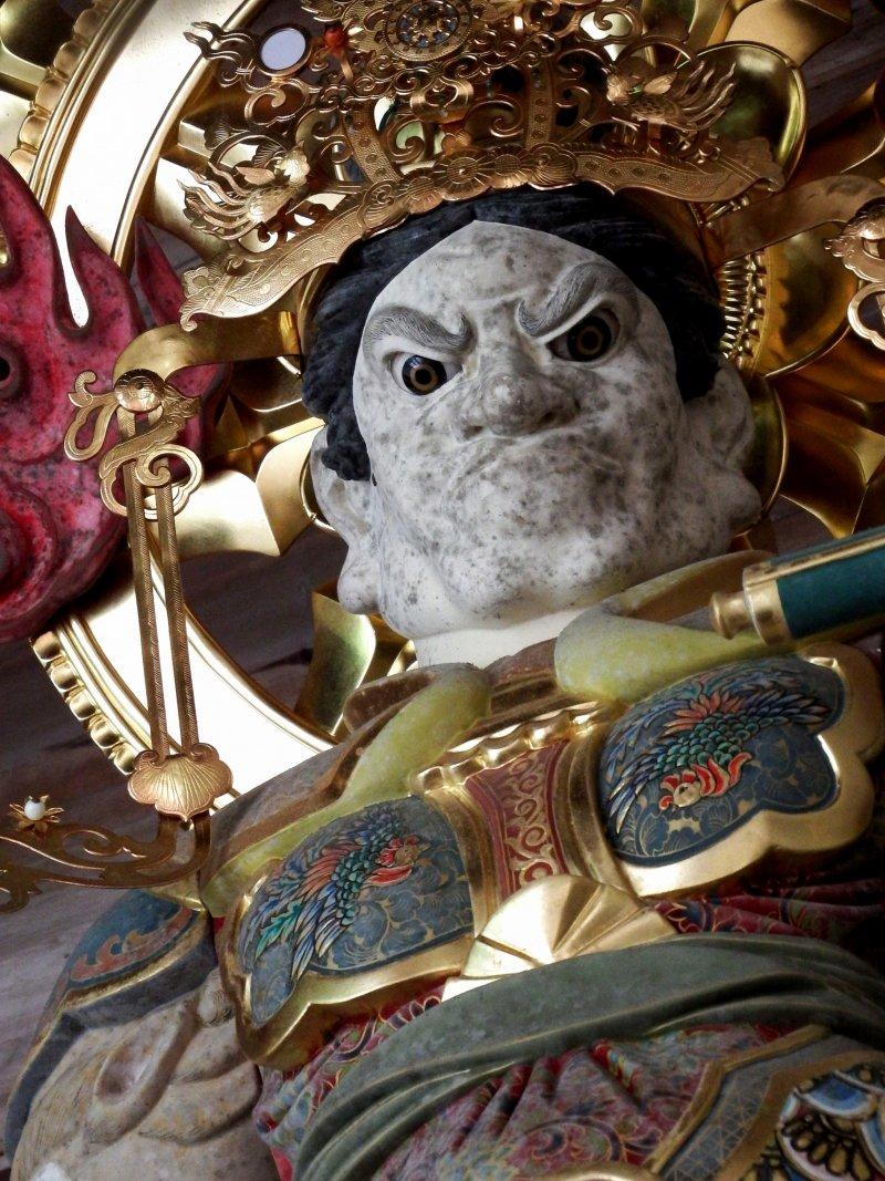 서쪽 왕상 '세이호 코모쿠텐'의 클로즈업