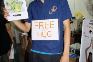 Free hugs with your Mojito purchase