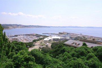 <p>中津岛附近看到的江之岛景色</p>