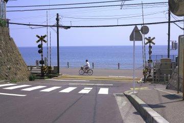 <p>镰仓高校前 樱木花道和赤木晴子相遇的路口</p>