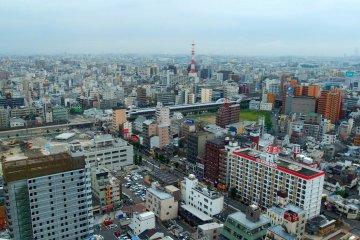 A view of Osaka from the main observation deck ofTsutenkaku