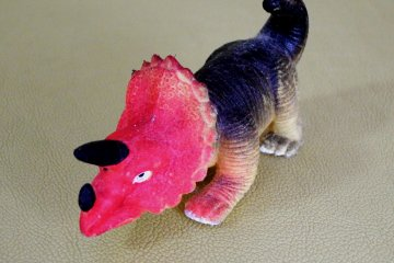 Ấp trứng khủng long!