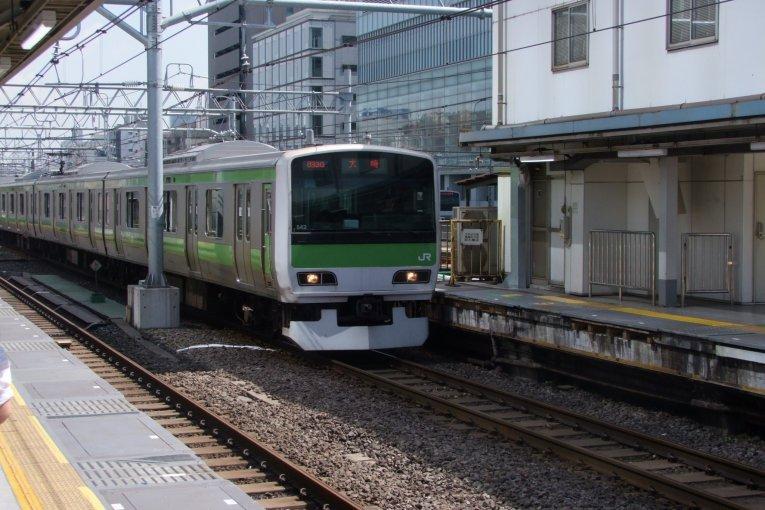 Линия JR Яманотэ