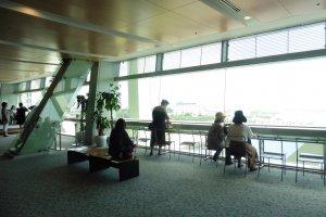 L'observatoire du 7ème étage se situe près de 46 mètres au dessus du niveau de la mer