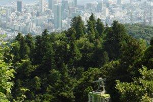 Le téléphérique du mont Maya et la ville de Kobe