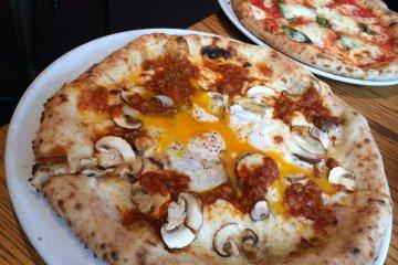 <p>The Naples style pizzas at Pizzeria Sole &amp; Luna Hiro-o</p>
