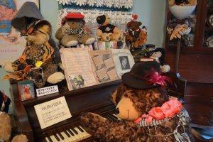 เท็ดดี้แบร์กำลังเเล่นเปียโน