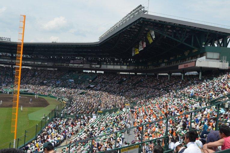 เชียร์เบสบอลติดสนามHanshin Koshien