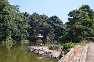 สวนสไตล์ญี่ปุ่นดั้งเดิม