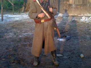 "Soldat russe, toujours dans ""Sakano ue no kumo"""