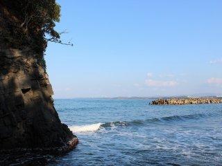 透明できれいな海だ