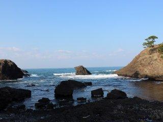 1000万年以上の時間をかけてゆっくりと侵食された岩