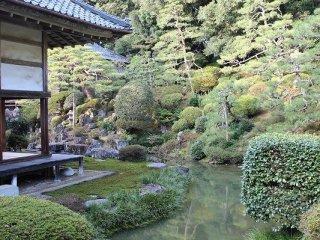 瀧谷寺の名勝庭園。昭和4年に日本名勝庭園の一つとして、文部省より福井県下最初の指定を受けた