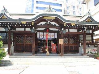 三宮神社。神戸生田神社を取り囲むように守護神の神社が8つある。一宮、二宮と続く。