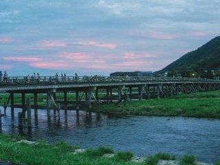 Le pont légendaire d'Arashiyama : Togetsukyo