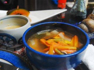 Miso atau sup sayuran yang terasa menyegarkan