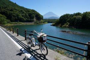 ถึงแล้ว ทะเลสาบน้องเล็ก Shojiko